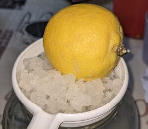 Zitrone im Wasserkefir